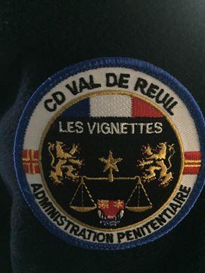 Un exemple parmi d'autres : le blason de la Pénitentiaire de Val Reuil, avec le Saint-Olaf !